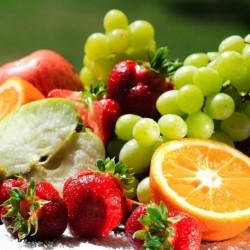 انتبه.. الإفراط في تناول الفاكهة يسبب مشاكل صحية