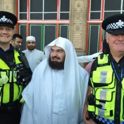 """""""السديس"""" يشكر رجال أمن المملكة البريطانية على تعاونهم"""