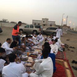 أهالي دوقة بوادي قديد يقيمون وجبة إفطار جماعي