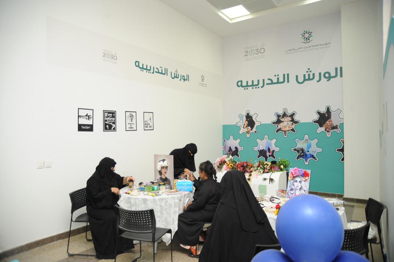 أركان نسائية متنوعة تلبي احتياجات المرأة في مشاركة التدريب التقني للبنات بالجنادرية 33