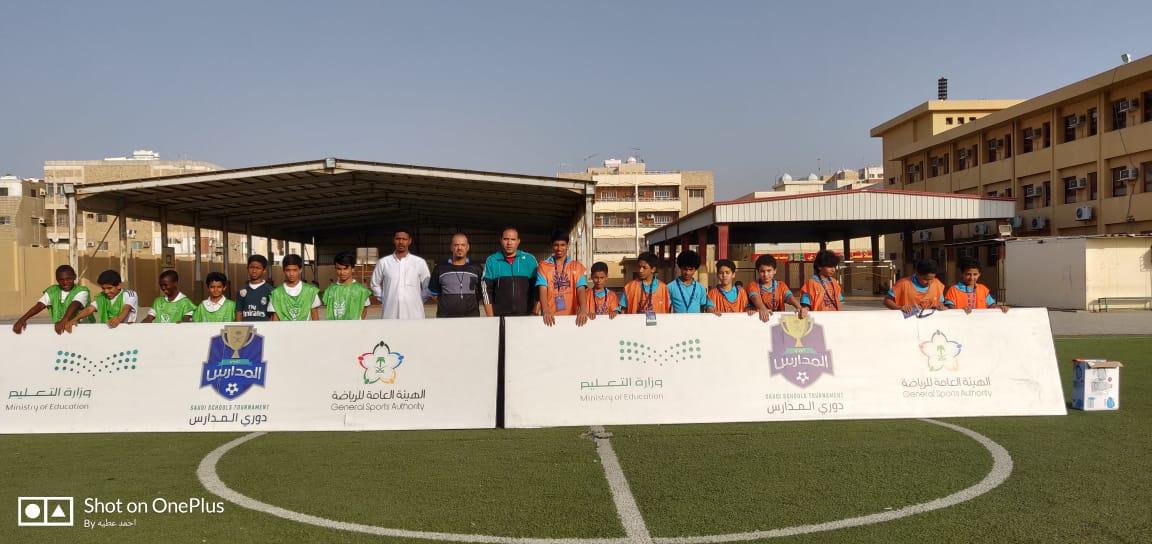تأهل فريقي متوسطة التحفيظ بخليص وثانوية الطلعة إلى دور الثمانية من دوري المدارس