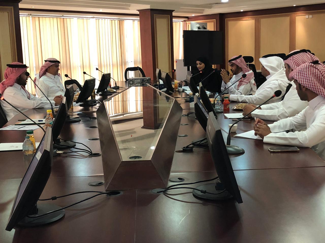 فرع وزارة العمل في القصيم يبحث سبل التوطين بالقطاع الخاص