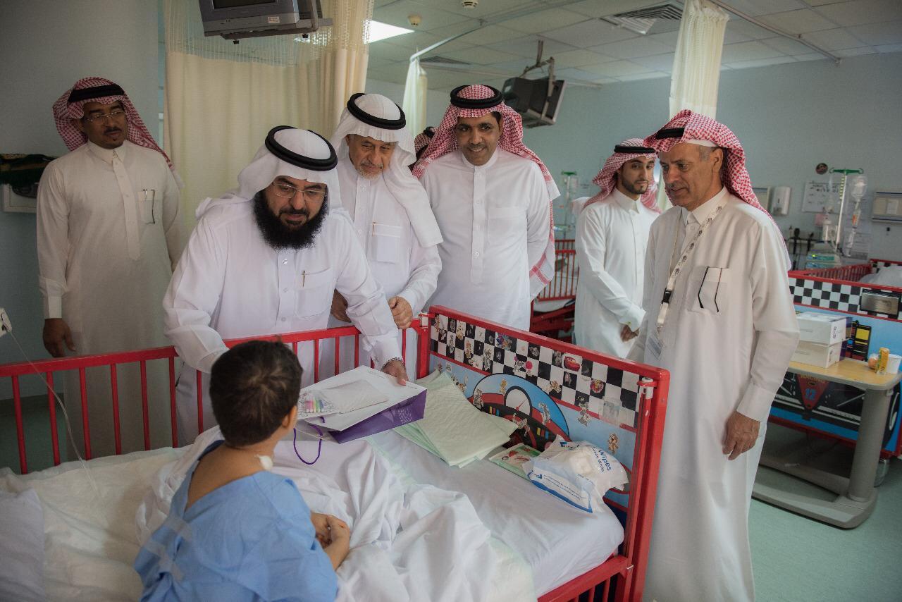 ترابط وارامكو السعودية تقدمان هدايا عيد الاضحى لمرضى التخصصي