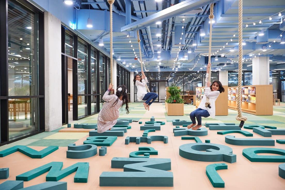 """افتتاح """"مكتبة أبوظبي للأطفال"""" والمسرح في المجمّع الثقافي  بالحصن"""