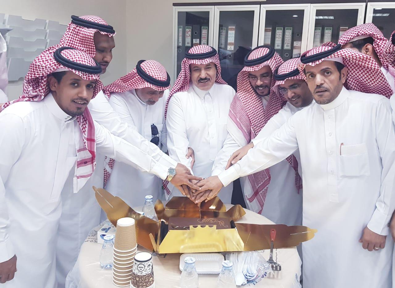 تكريم موظفي الإتصالات الإدارية بفرع وزارة البيئة والمياه والزراعة بمنطقة مكة المكرمة