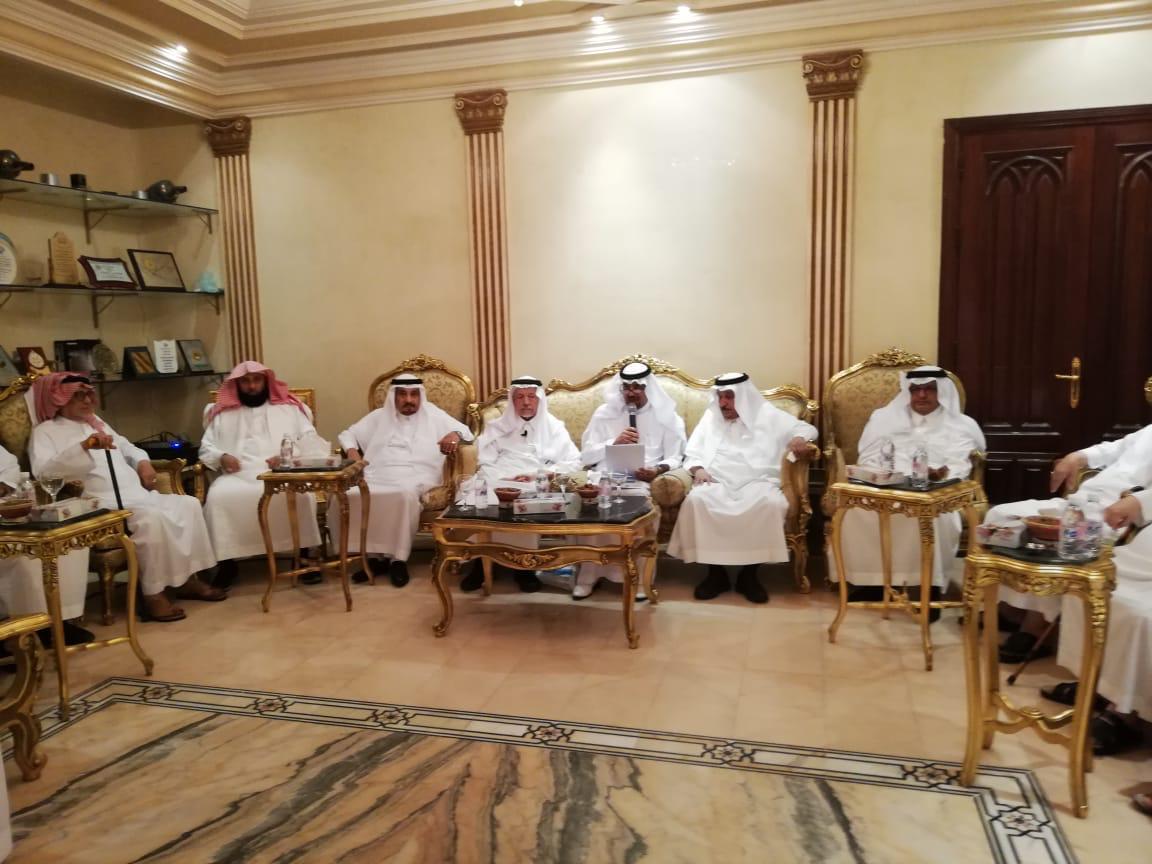 أبو عالي في أسبوعية القحطاني: تشرفت بمقابلة جميع ملوك المملكة