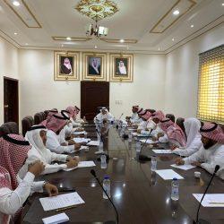 استعراض المشاريع المنفذة في جلسة المجلس المحلي بمحافظة خليص