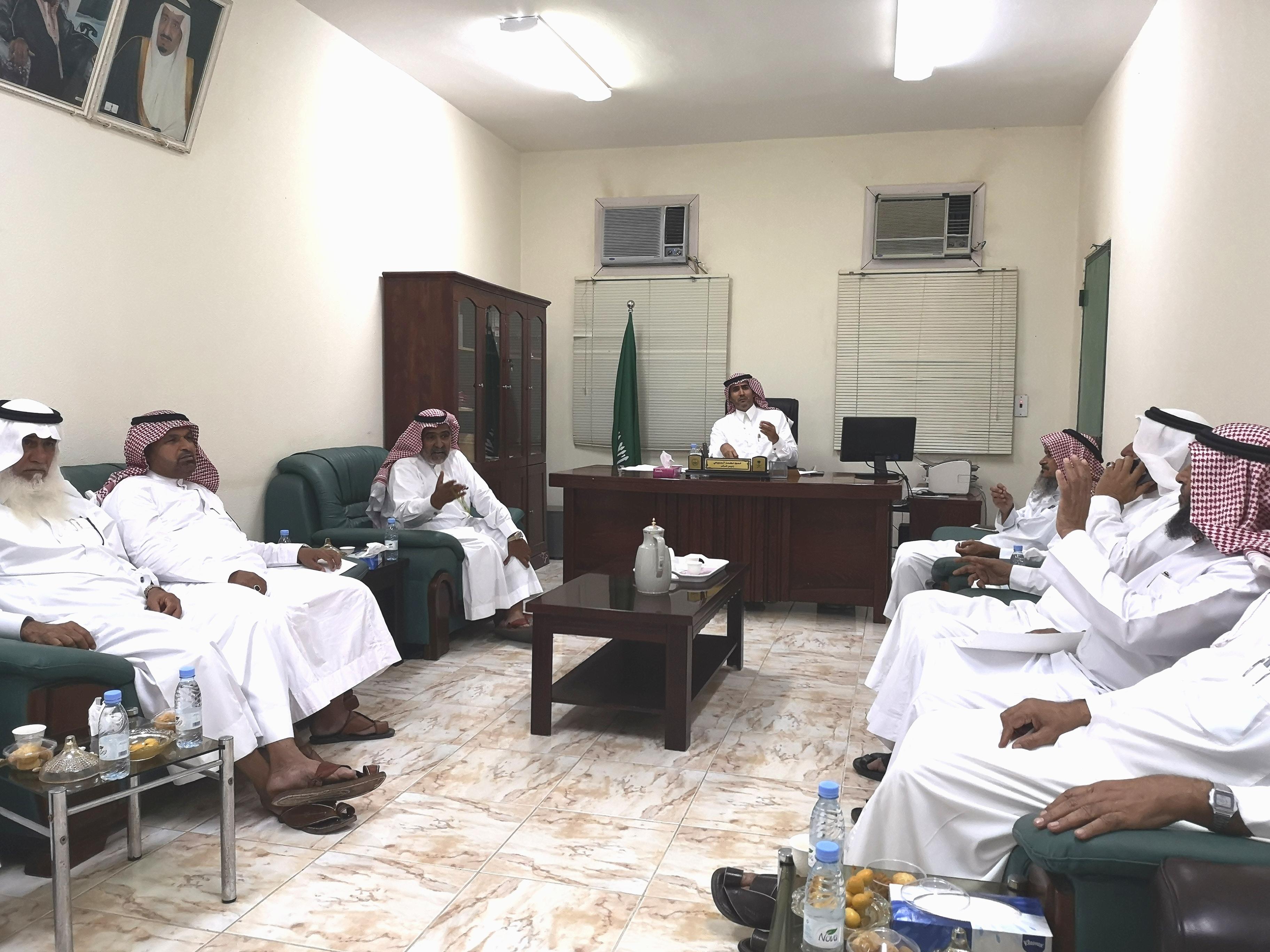 اجتماع أعضاء مجلس مركز وادي قديد لاختيار أعضاء للجنة إصلاح ذات البين