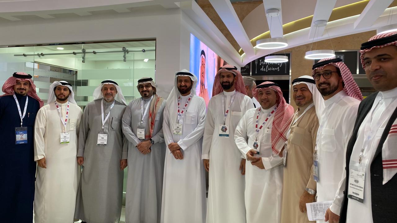 معالي وزير الصحة يزور جناح مستشفيات السعودي الألماني في معرض ومؤتمر  الصحة العربي 2020 بدبي