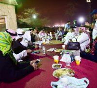 مقهى أمناء منتدى الإدارة والأعمال 11 مع رواد الفرسان وأعضاء فرسان التطوع