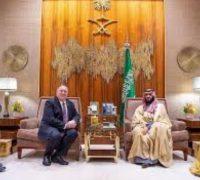 سمو ولي العهد يستقبل وزير الخارجية الأمريكي بالرياض