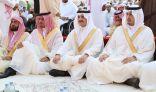 الأمير سعود بن نايف والأمير أحمد بن فهد يتقدمان المصلين في صلاة العيد بالمنطقة الشرقية.