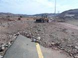 """""""بلدية"""" و """"دفاع مدني"""" خليص تتفاعل مع الأمطار وبسرعة عالية تزيل الأضرار"""