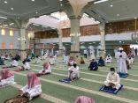 صحة بيشة تواصل توعية وتنظيم المصلين لصلاة الجمعة