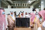 معالي الرئيس العام لشؤون المسجد الحرام والمسجد النبوي يقدم مجسماً تذكارياً للمسجد الحرام إلى سمو أمير منطقة مكة