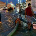 """""""بلدية صامطة"""" تستنفر طاقتها لمواجهة الأمطار وإصلاح وردم المستنقعات والحُفر"""